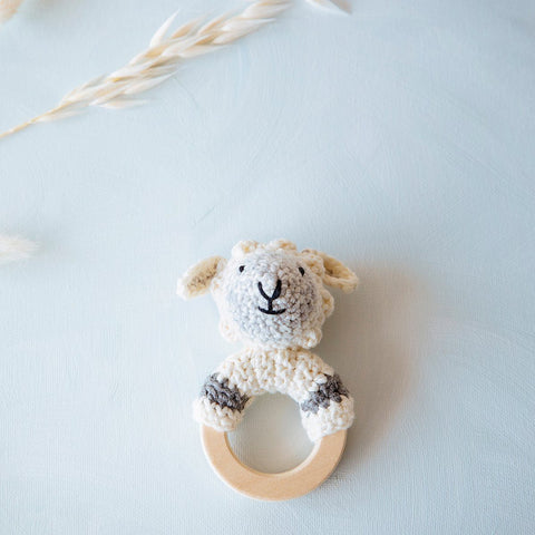 Spielsachen, Toys - Crochet Rattle Woodland Sheep