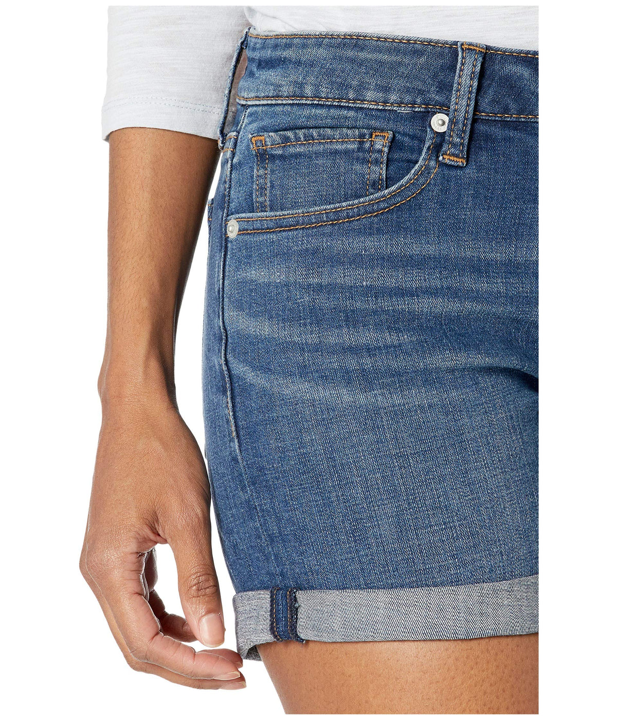 Mid-Rise Roll Up Shorts in Spanish