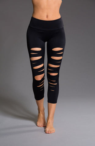 Onzie Shred Capri Black