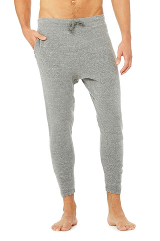 men Alo relaxed sweatpant grey