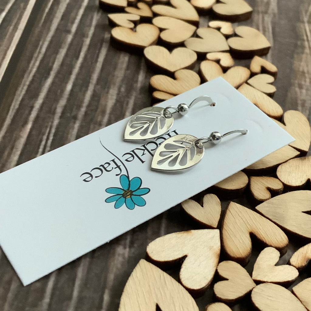 The cutest Leaf Earrings ever