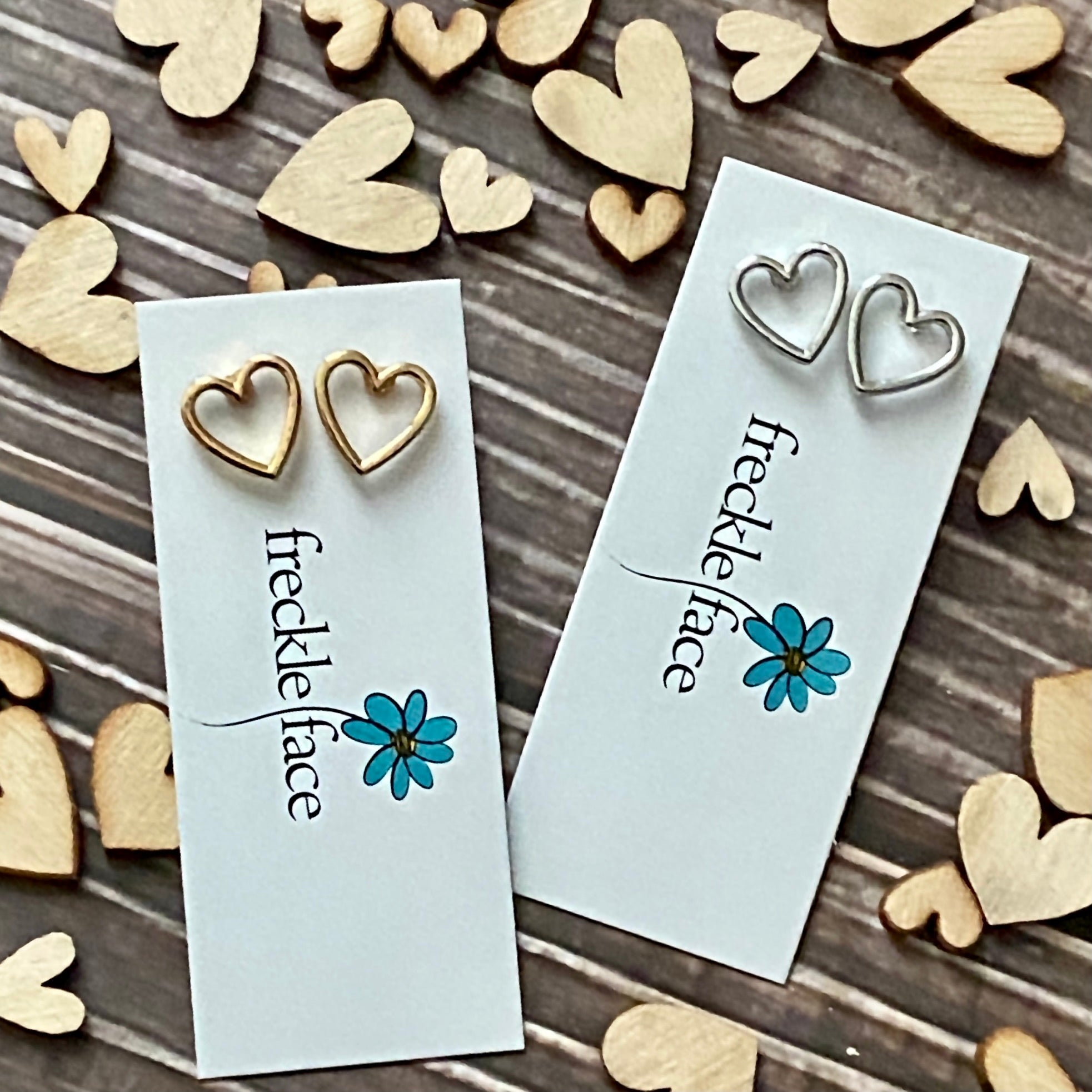 Stud Open Heart earrings