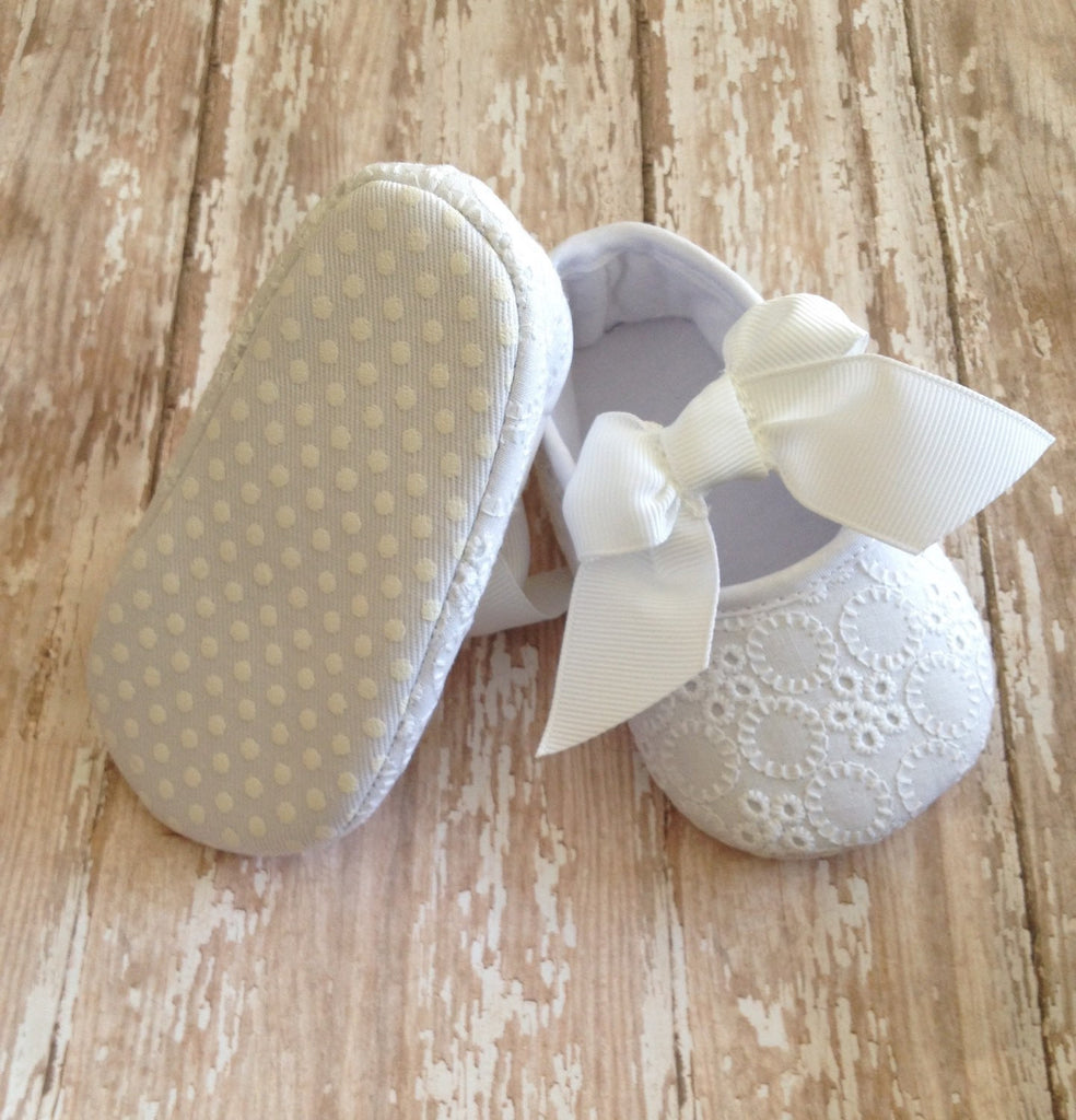 White baby shoes-Baby girl white shoes-baby shoes-white shoes-baptism shoes-baby girl shoes-first birthday-christening shoes-baby girl shoe - Tiny Stars Boutique