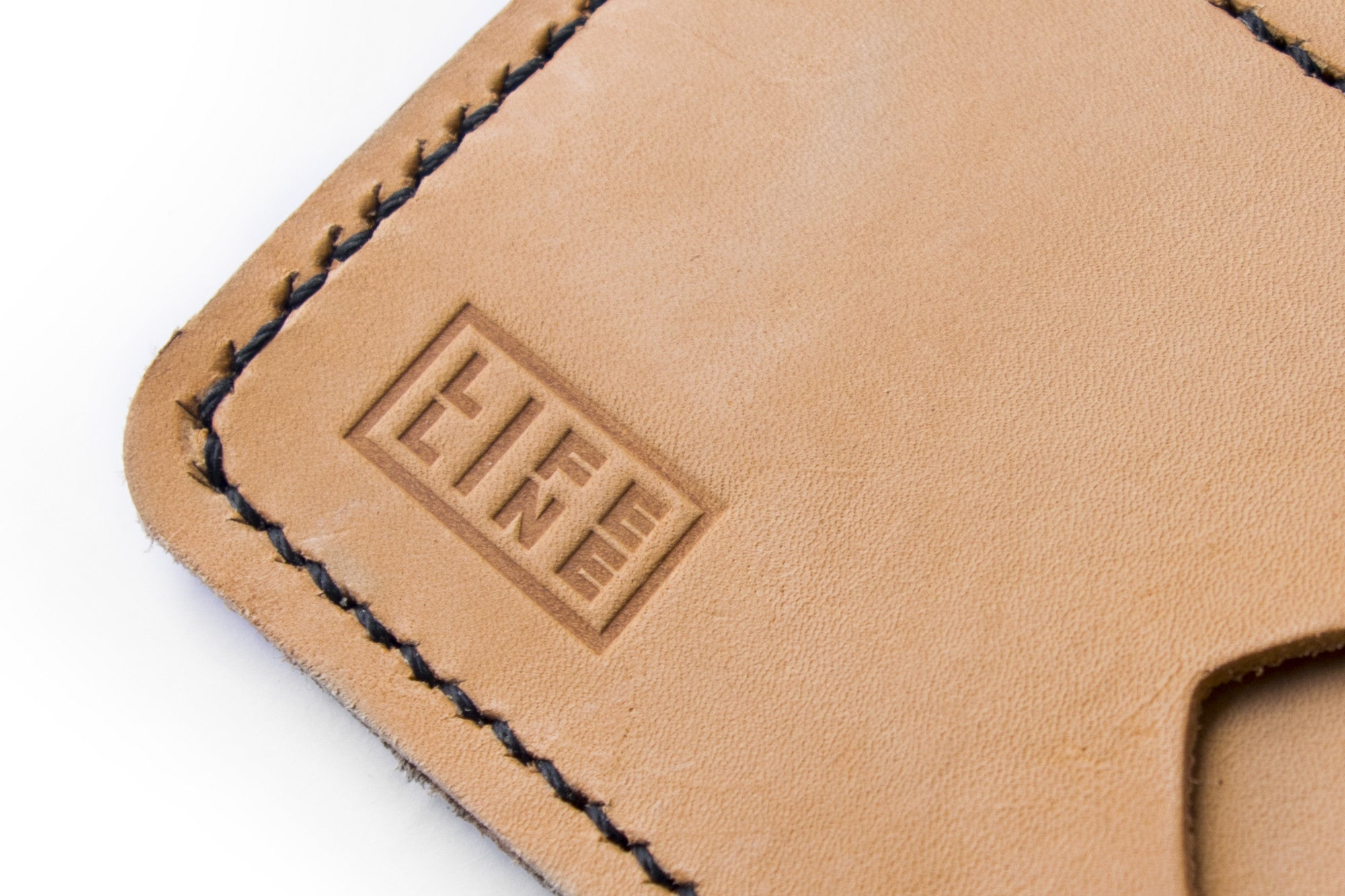 'Wanderer' Vegtan Leather Passport Wallet