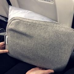 Jet&Bo Cashmere Travel Set as a Pillow