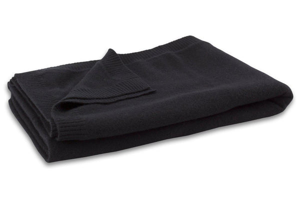 Jet&Bo 'Make Travel Luxurious Again' Black Cashmere Travel Set Blanket