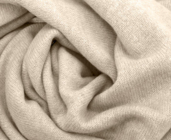 Jet&Bo 'So Soft, So Smart' Lightweight Cashmere Travel Wrap (Beige) Close Up