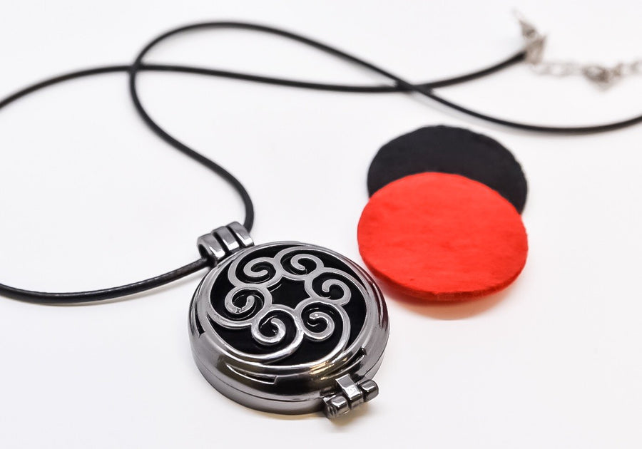 Black Disc Diffuser Necklace