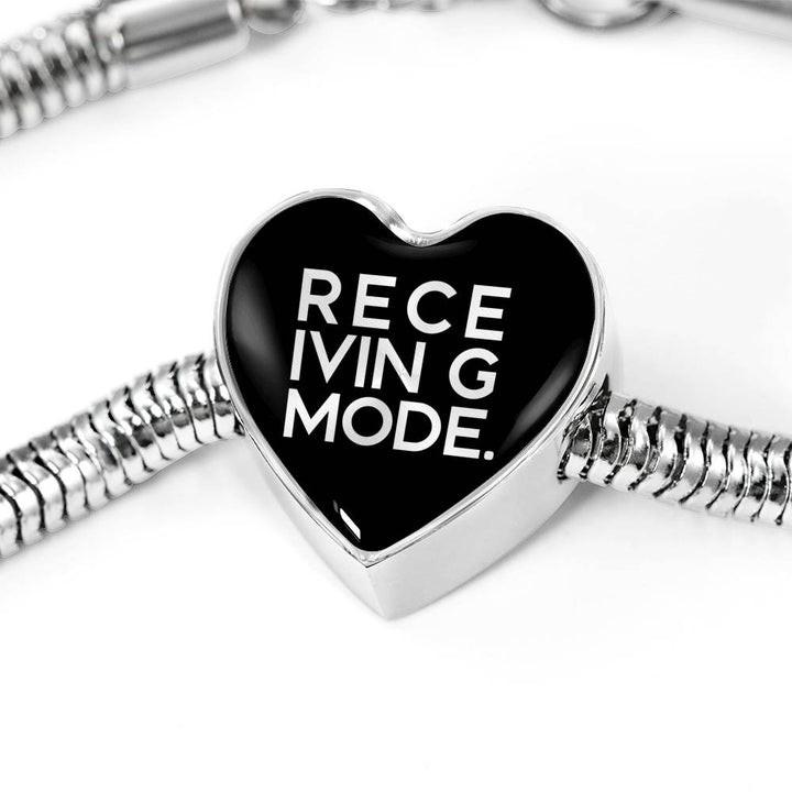 Receiving Mode | Luxury Heart Charm Bracelet
