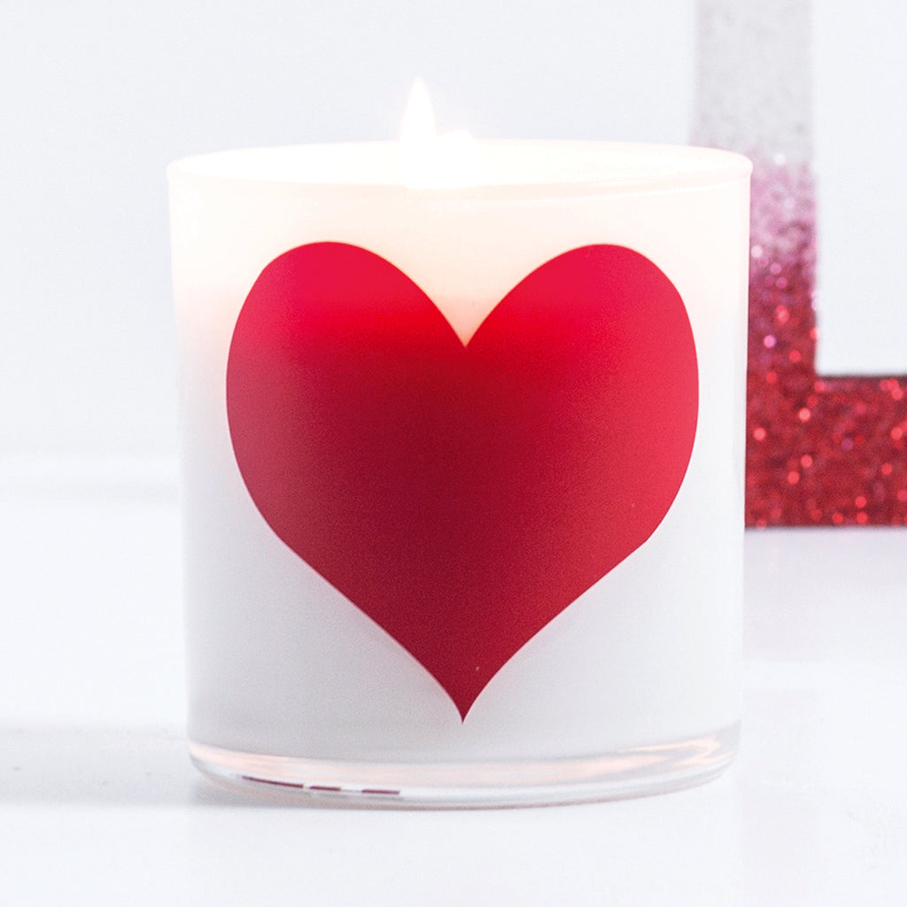 Heart Graphic Jar in Sea Salt Blossom Scent