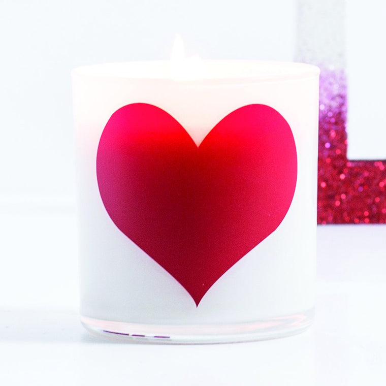 Heart Graphic Jar in Cedar & Saffron Scent