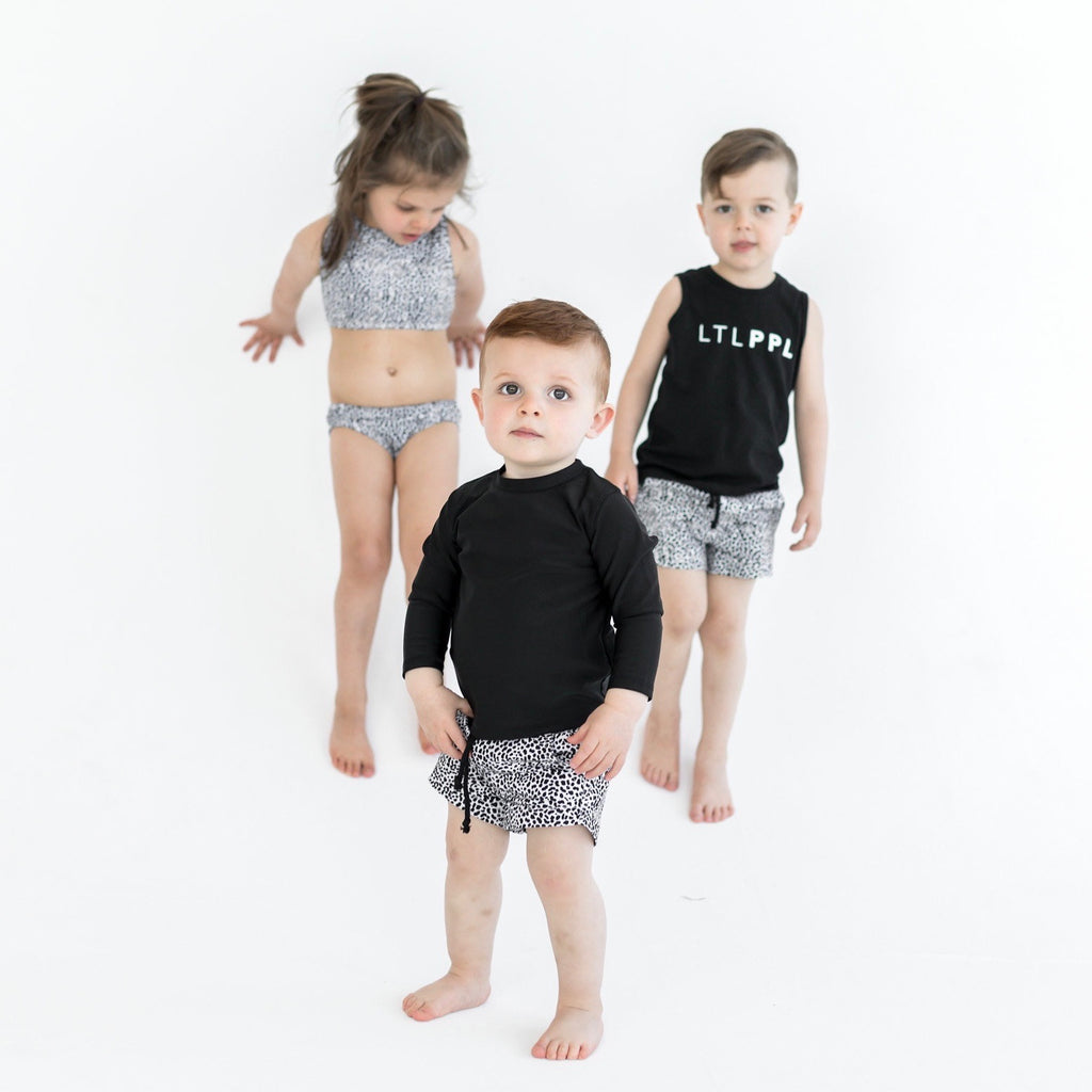Black unisex singlet for babies and toddlers