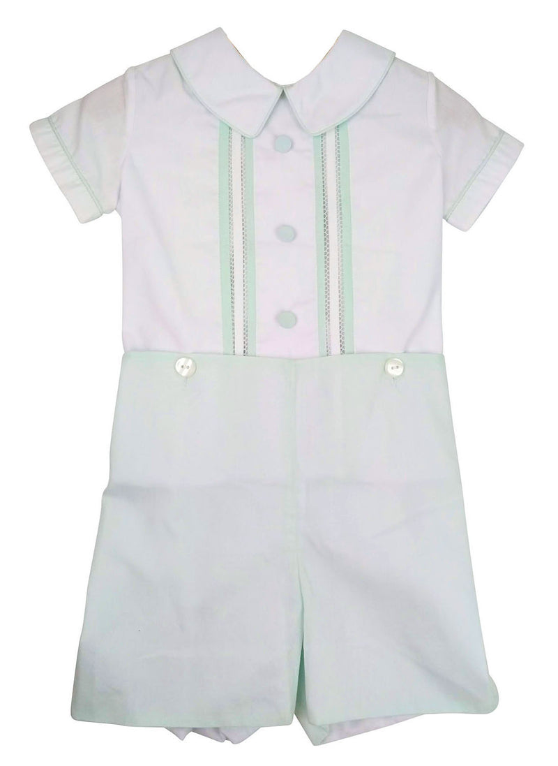 Mint button on fagotting stitched shirt