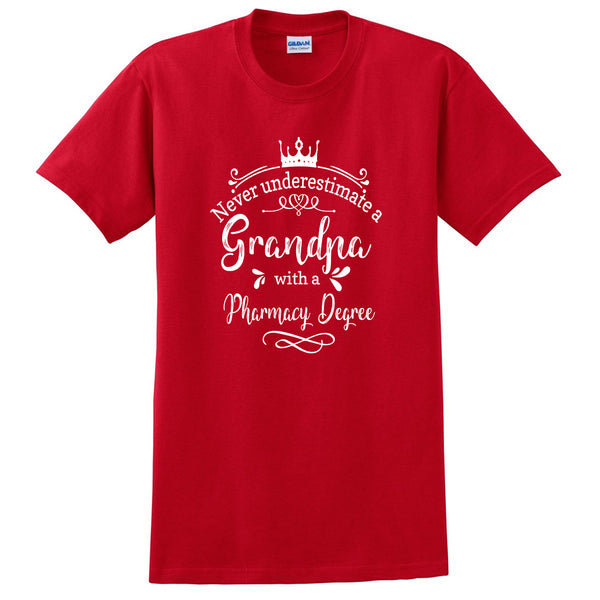 Never underestimate a grandpa with a pharmacy degree T Shirt