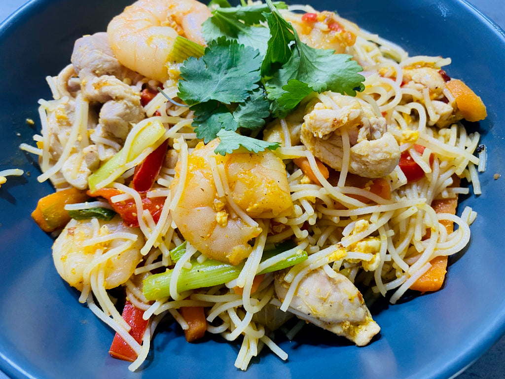 Stir Fried Singapore Noodles with Prawns and Chicken