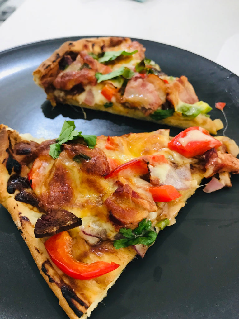 Keto Satay Chicken Pizza