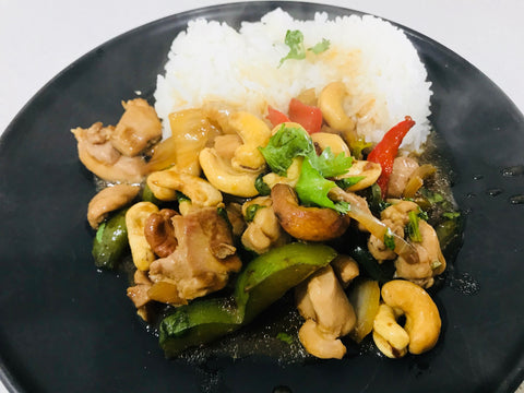 Chinese Chicken Stir Fry with Cashews on Rice