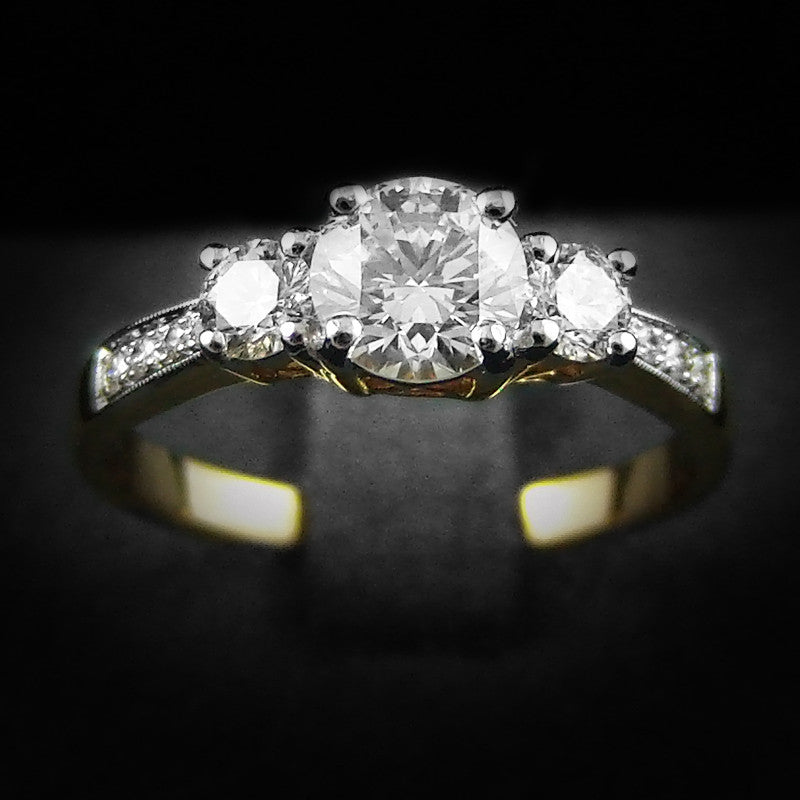 Diamond Ring in 22K Gold (แหวนเพชร 0.74ct)
