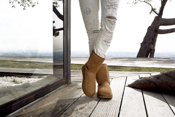 45ac69eceb5 4 fashion-forward ways to wear ugg boots year round | UGG Express ...