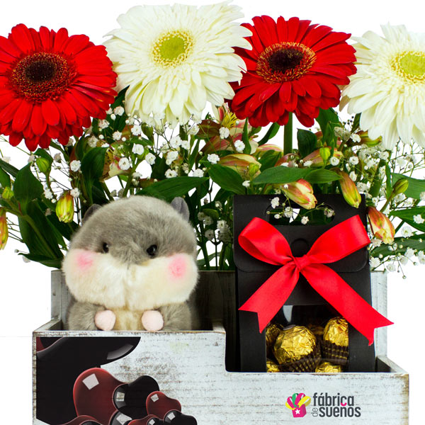 "Caja con Flores, Chocolates y Peluche ""Shape of You"""
