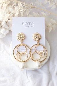 Gaia Pearl earrings