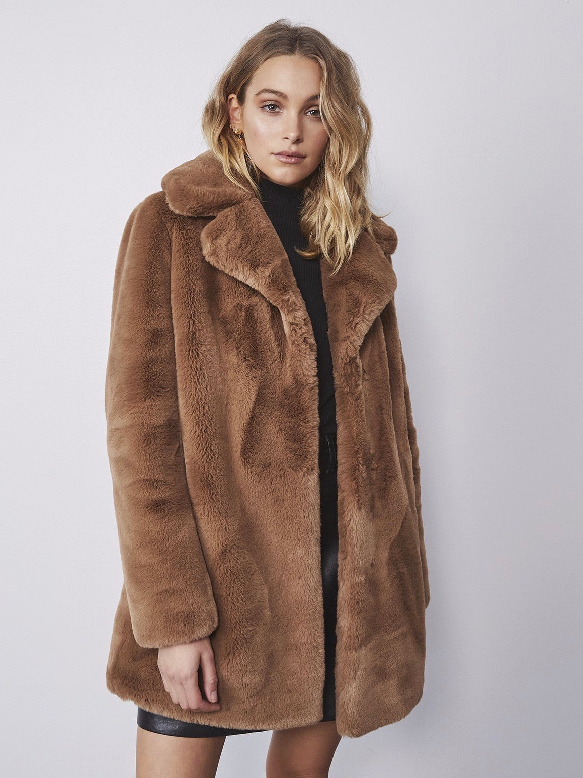 Minimalist Faux Fur Jacket - Tiger Eye
