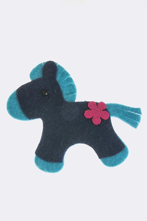 {Accent Horse Decor Brooch}