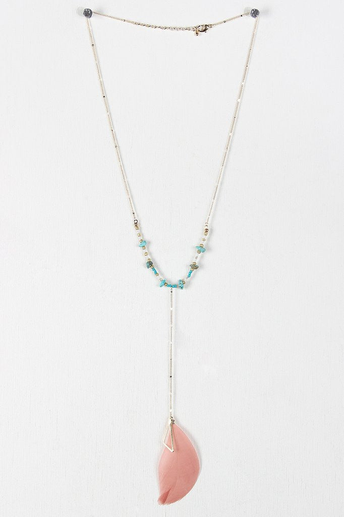 {Delicate Bohemian Feather Necklace}