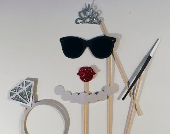 breakfast-at-tiffanys-photobooth-props