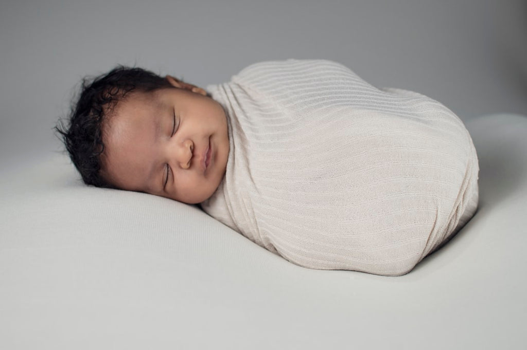 Swaddling: Pros and Cons, what the experts are saying