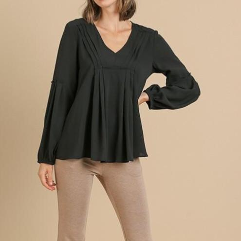 Front Pintuck Detail Top (Black)