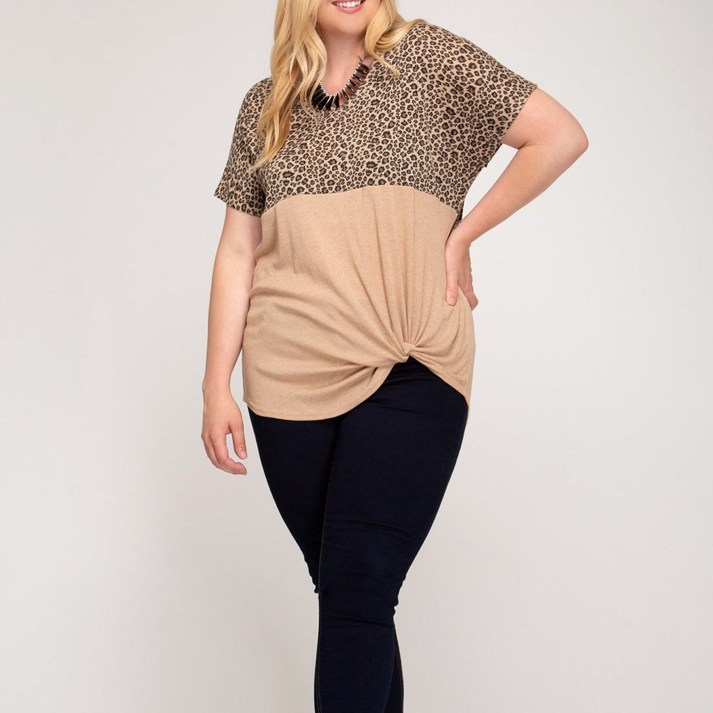 Short Sleeve Top w/Animal Print (Plus)