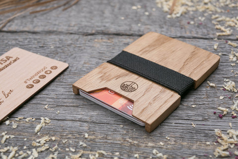 Oak wood cardholder