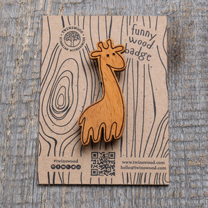 ginger giraffe wooden pin