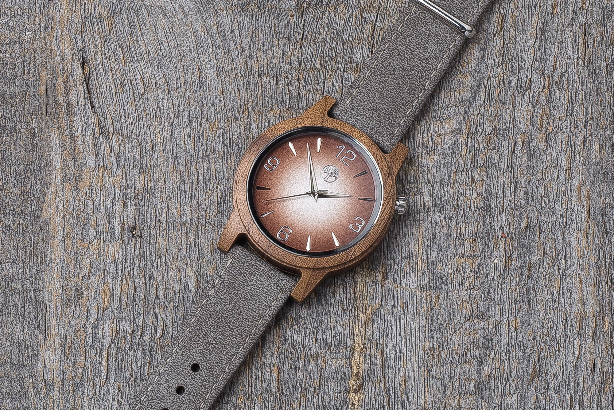 Walnut wood watch, gray strap