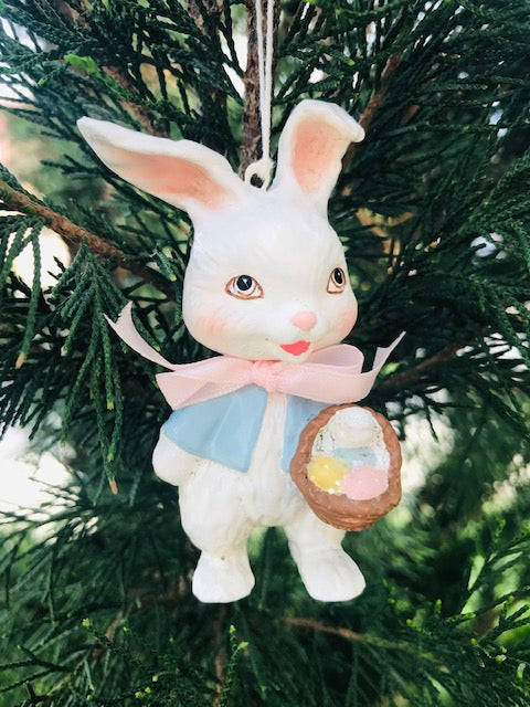 Retro Easter Bunny- April 2019 Feature Ornament