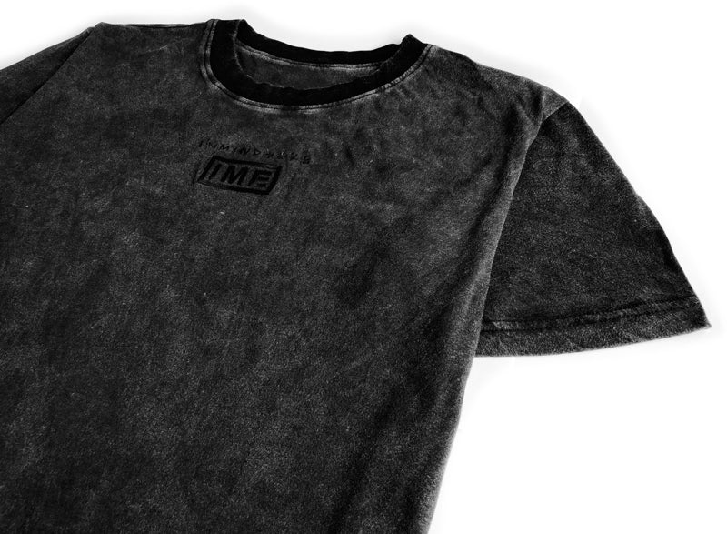 UNPLUGGED tee / washed black