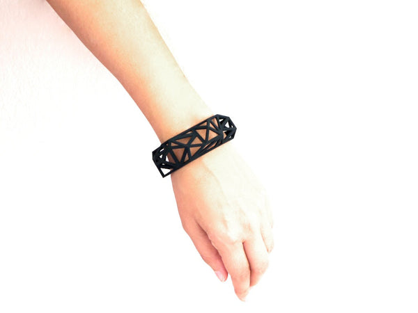 3d printed bracelet cuff in black