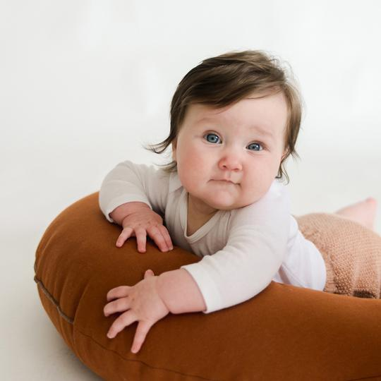 Feeding + Support Pillow | Gingerbread <br>Snuggle Me Organic
