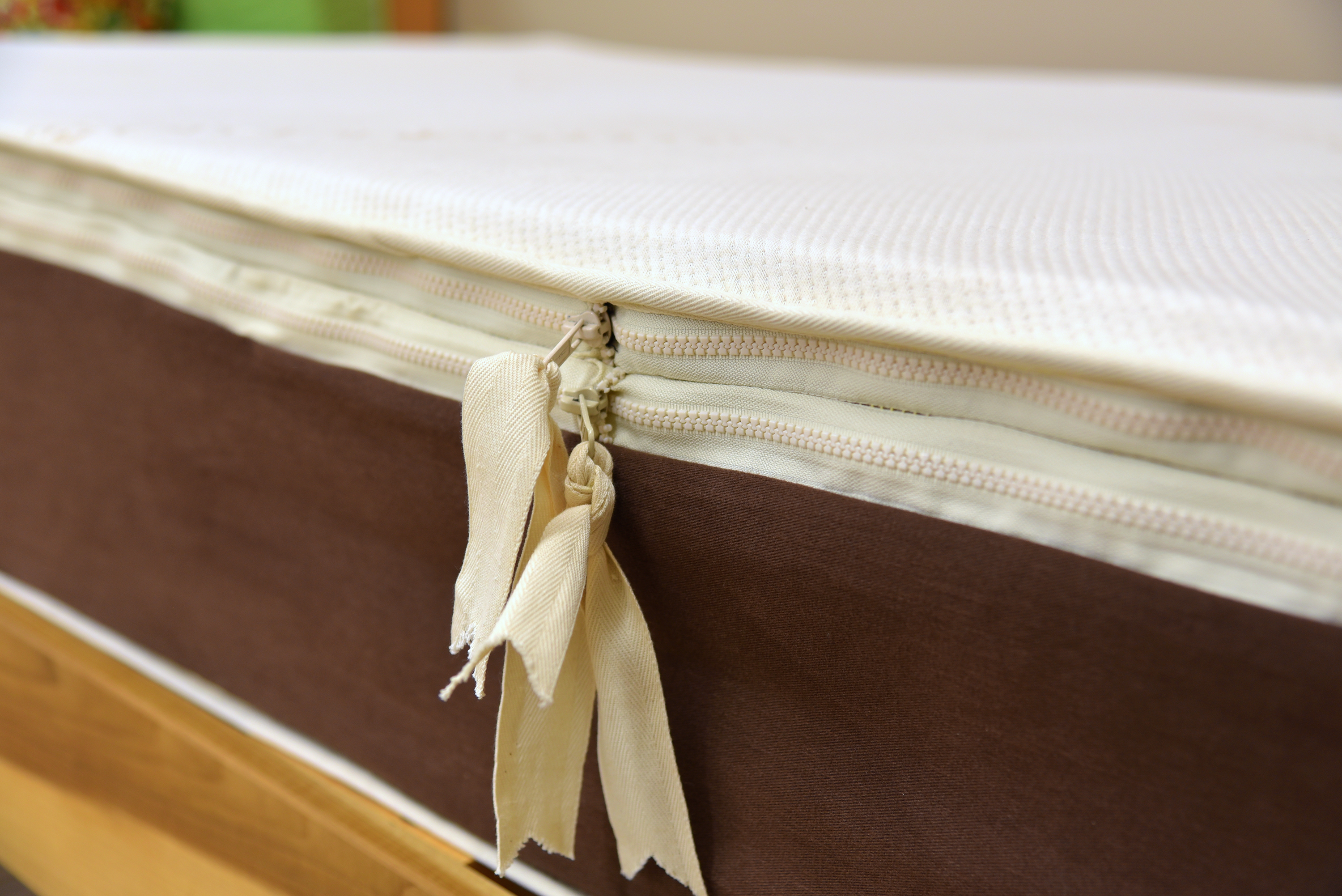 Organic Voyager 3-Layer Mattress, knit cover with expandable casing.