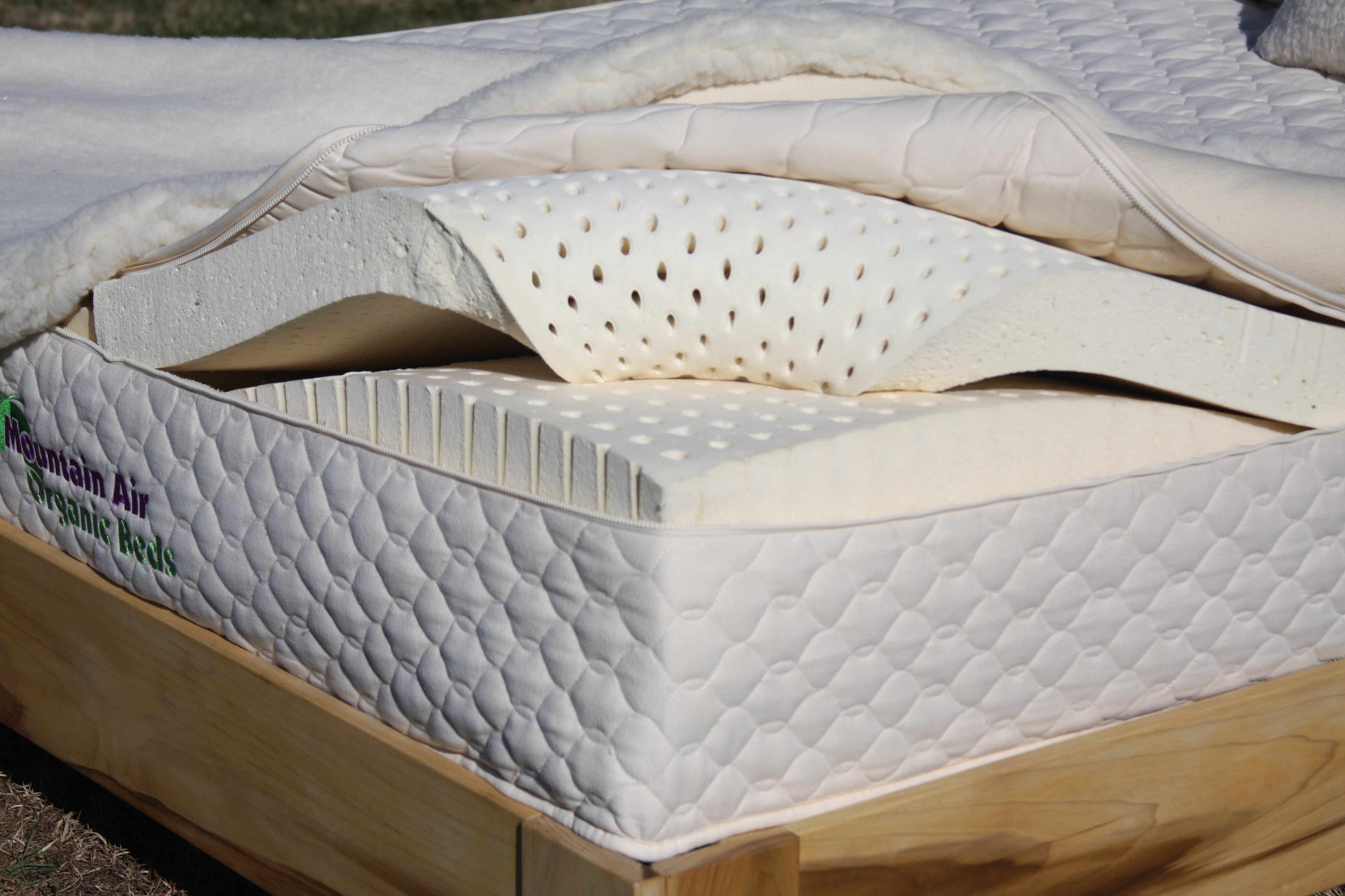 Organic Joy 3-Layer mattress with Quilted Cover Expandable Casing