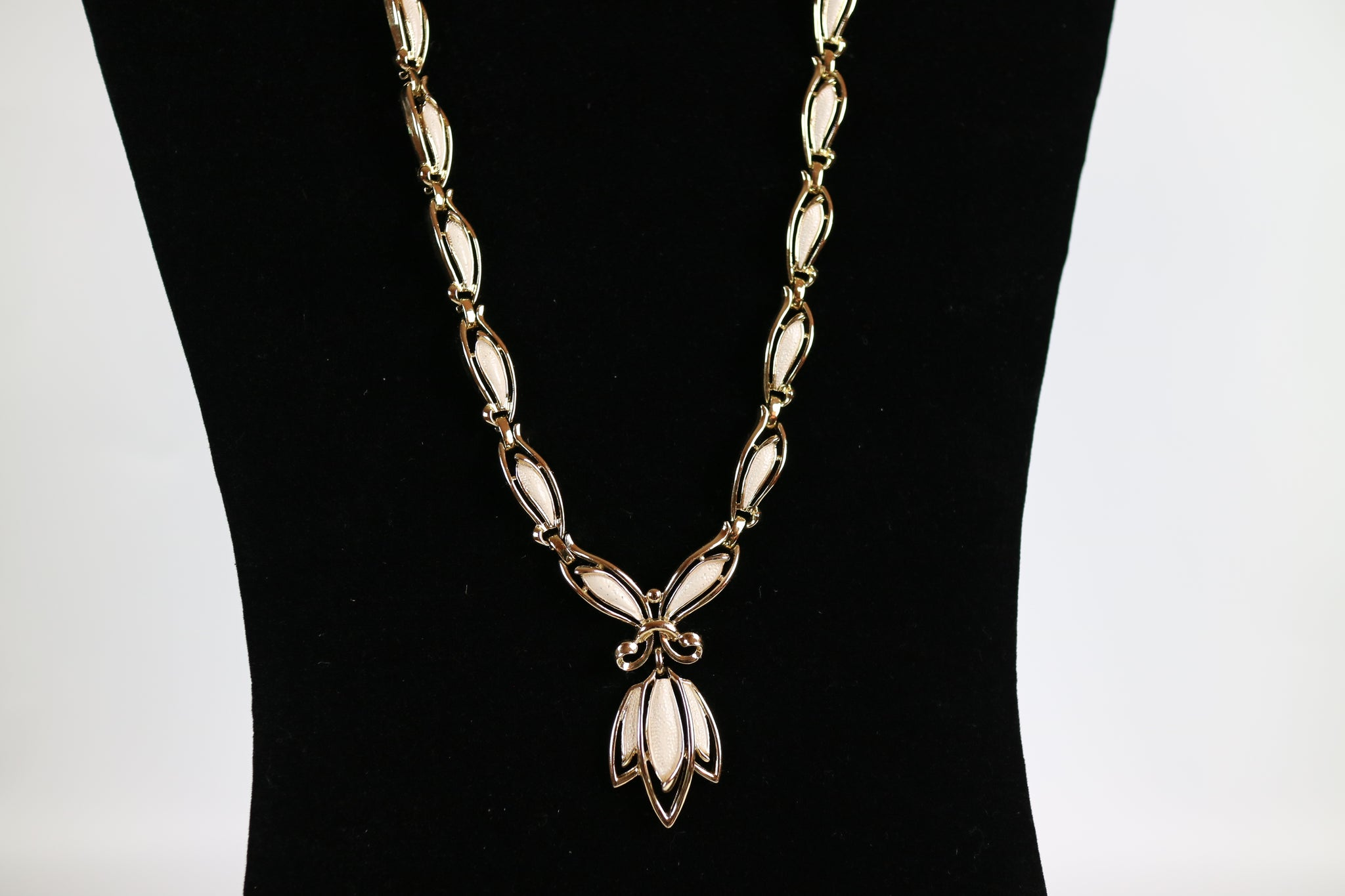 Ivory Lily Reversible Necklace