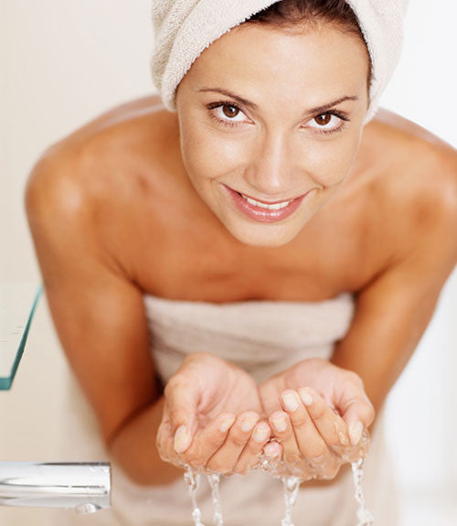 Why is Oil Cleansing Better for your Skin?