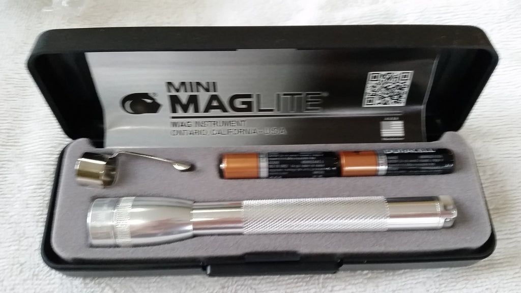 Maglite Presentation Box 2 x AAA Mini Flashlight, blue