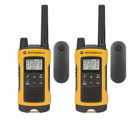 Motorola T402 35-Mile Rechargeable Two 2 Way Radios Walkie Talkie