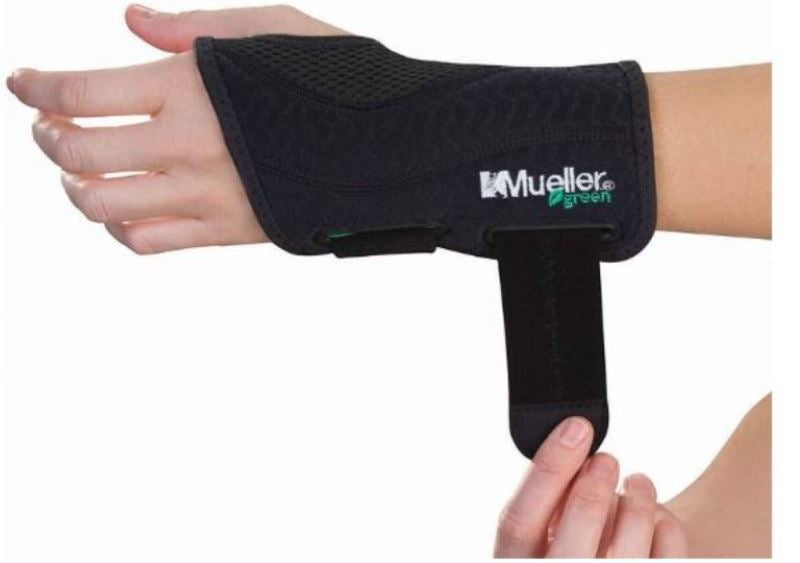 Mueller USA Green Fitted Left Hand Wrist Brace Support Strap Small Medium