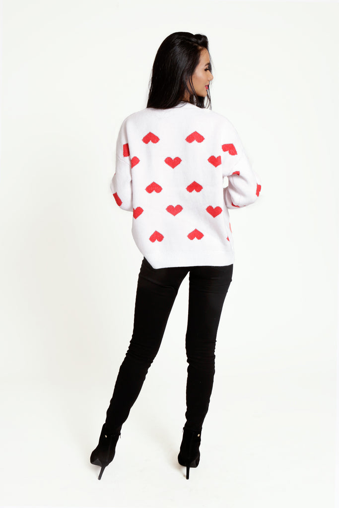 Oversized White Ribbed Knit Jumper with Red Heart pattern and Long Sleeves
