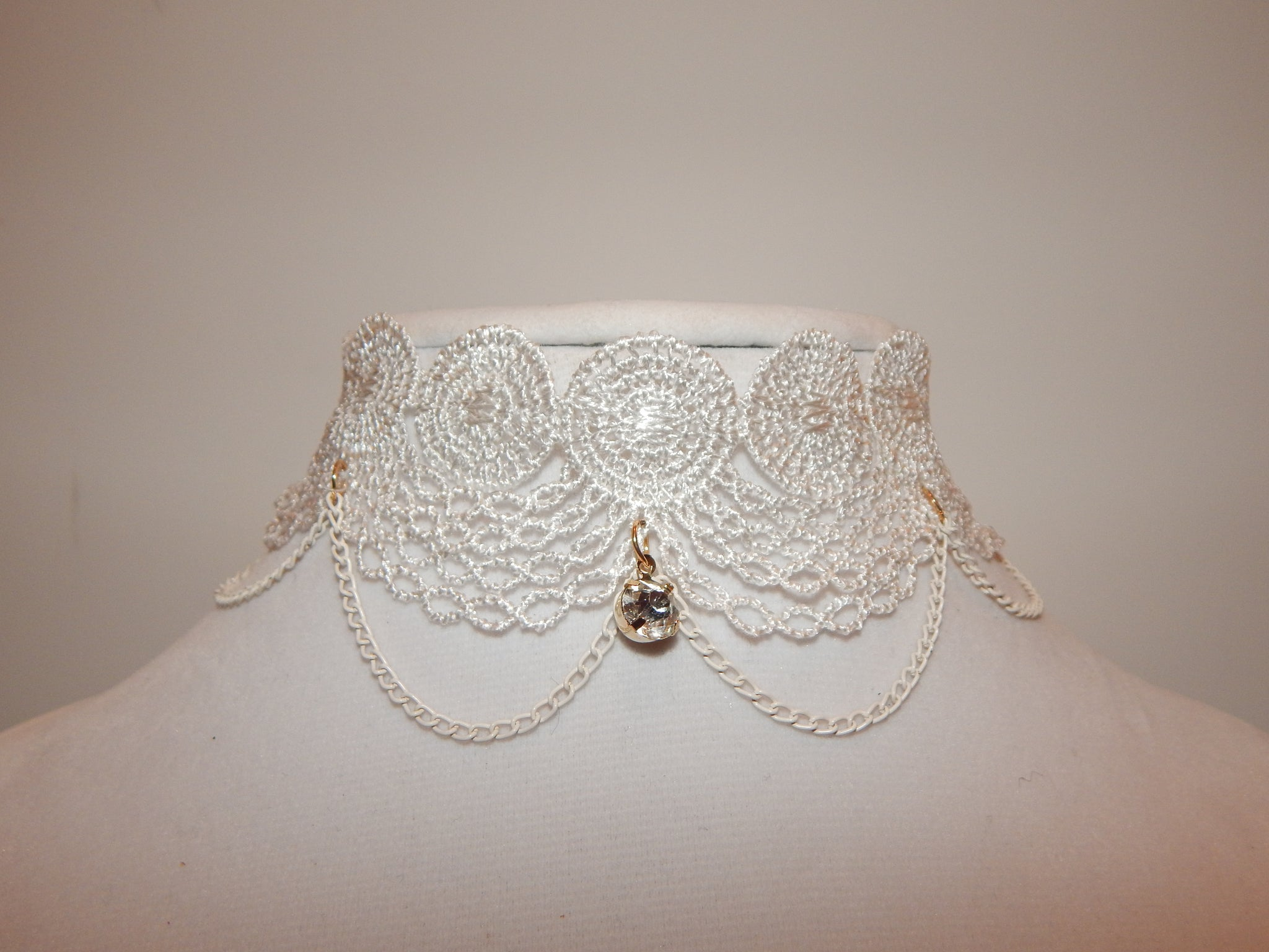 White Lace Choker