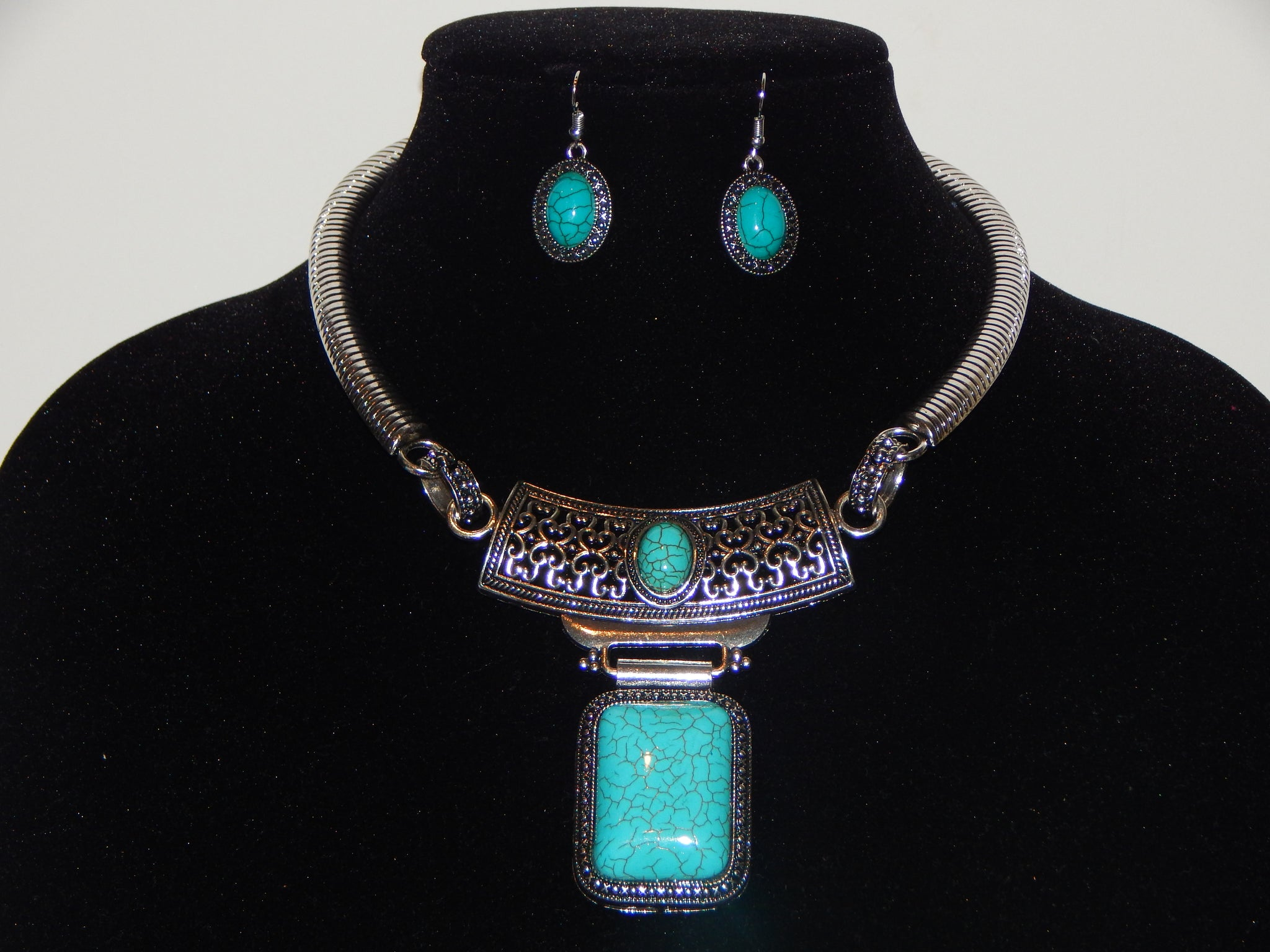 New Rectangular Turquoise Necklace Set