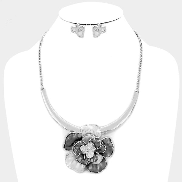 Grey Floral Rose Fashion Necklace Set